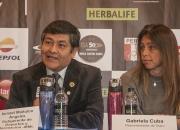 Subgerente de Deportes y Recreacion Ismael Mañuico and Claro Representative Gabriela Cuba. Credit: ISA/ Rommel Gonzales