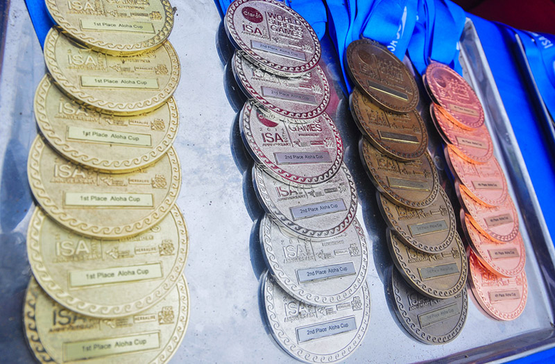 Claro ISA 50th Anniversary World Surfing Games Medals. Photo: ISA/Rommel Gonzales