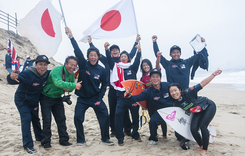 A stoked Team Japan after Omura and Kurakawa's win. Photo: ISA/Rommel Gonzales